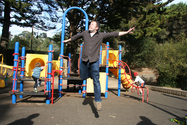Sam the Anti-Preemie: Not to be outdone - daddy can fly too!
