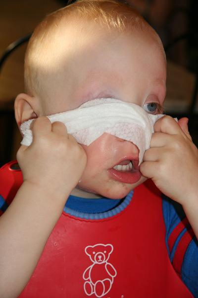 Sam the Anti-Preemie: Playing peek-a-boo at Fenton\'s