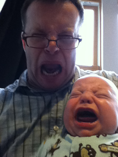 Sam the Anti-Preemie: Scream full of sound (with daddy) | 4/17/20111